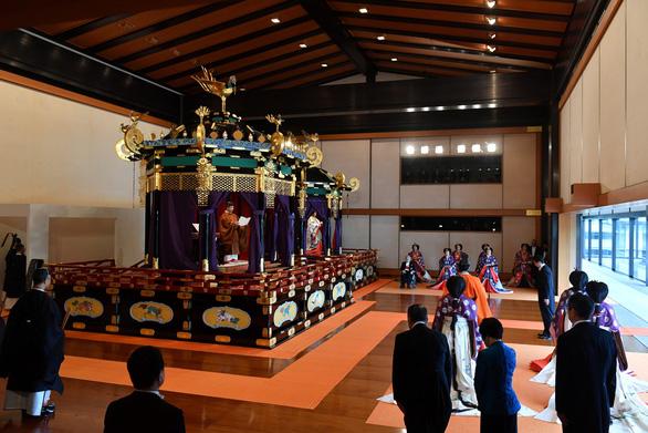 Nhật hoàng Naruhito: Tôi nguyện luôn nghĩ tới người dân - Ảnh 8.
