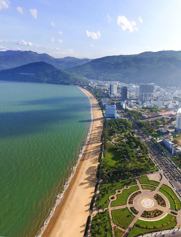 Dời 3 khách sạn ven biển Quy Nhơn, lấy đất làm công viên - Ảnh 2.