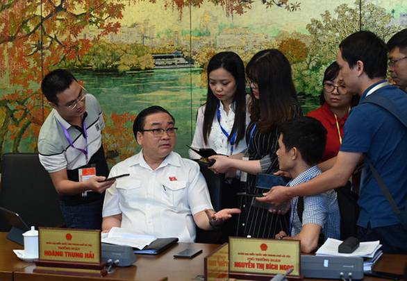 Bí thư Hà Nội: Cần rút kinh nghiệm việc để xảy ra vụ nước bẩn - Ảnh 1.