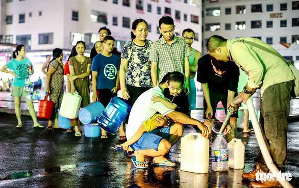 Bí thư Hà Nội: Cần rút kinh nghiệm việc để xảy ra vụ nước bẩn - Ảnh 2.