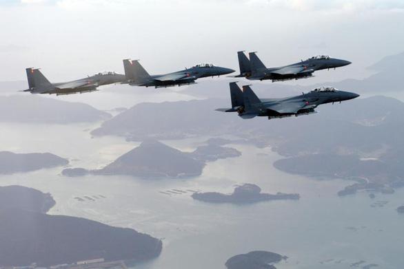 Tiêm kích Hàn Quốc cất cánh giám sát 6 chiến đấu cơ Nga bay vào KADIZ - Ảnh 1.
