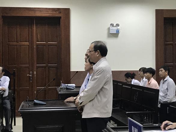 Cựu trưởng Ban tổ chức Thành ủy Biên Hòa ăn chặn tiền thi đua được giảm án - Ảnh 1.