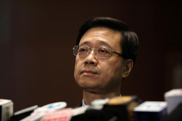 Dự luật dẫn độ gây tranh cãi của Hong Kong chính thức 'chết' - Ảnh 1.