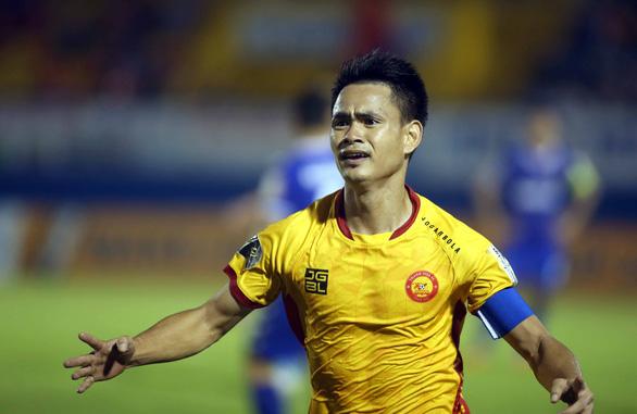 Hòa B.Bình Dương, Thanh Hóa giành quyền đá play-off để trụ hạng V-League 2020 - Ảnh 2.