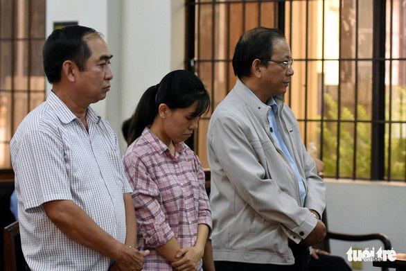 Cựu trưởng Ban tổ chức Thành ủy Biên Hòa ăn chặn tiền thi đua được giảm án - Ảnh 2.