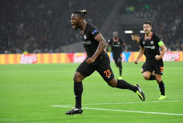 Batshuayi giúp Chelsea hạ Ajax ở phút cuối - Ảnh 1.
