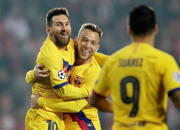 Messi tỏa sáng, Barcelona khuất phục Slavia Prague tại Champions League - Ảnh 1.
