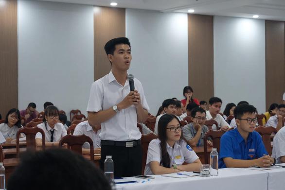 Lãnh đạo TP.HCM đặt hàng học sinh sinh viên ý tưởng giải quyết các vấn đề đô thị - Ảnh 2.