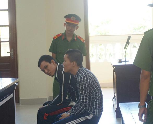 Tuyên tử hình 2 thanh niên giết người chỉ vì câu Mình mới ở tù về, anh em khinh rẻ quá! - Ảnh 1.