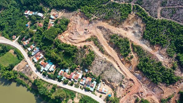 Quảng Nam: Làm nhà máy gạch trên đầu nhà dân - Ảnh 1.