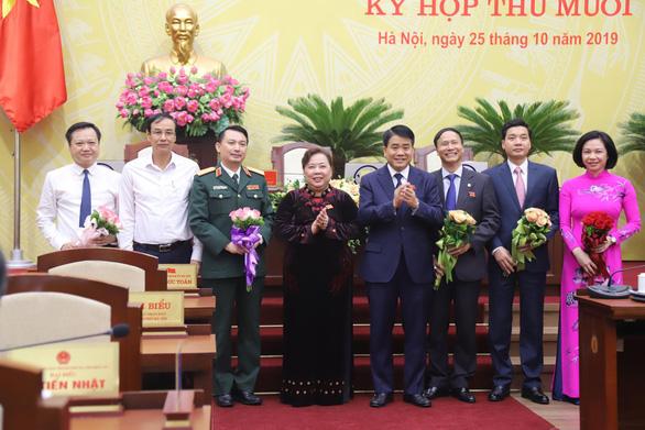 HĐND Hà Nội miễn nhiệm trưởng Ban Pháp chế hay chất vấn Nguyễn Hoài Nam - Ảnh 1.