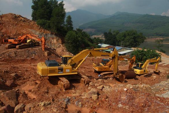 Quảng Nam: Làm nhà máy gạch trên đầu nhà dân - Ảnh 3.