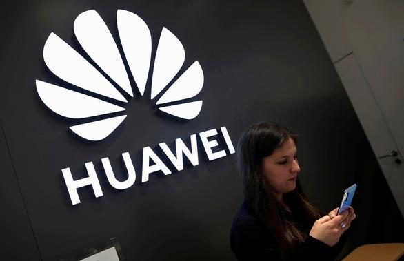 Huawei lách cửa cấm vận của Mỹ, sống nhờ công ty chip tại Anh - Ảnh 1.