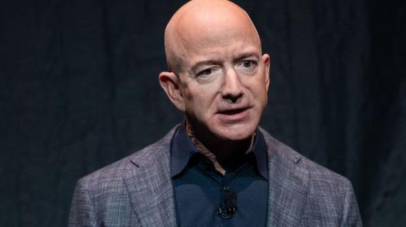 Tỉ phú Jeff Bezos mất gần 7 tỉ USD chỉ trong 1 ngày - Ảnh 1.