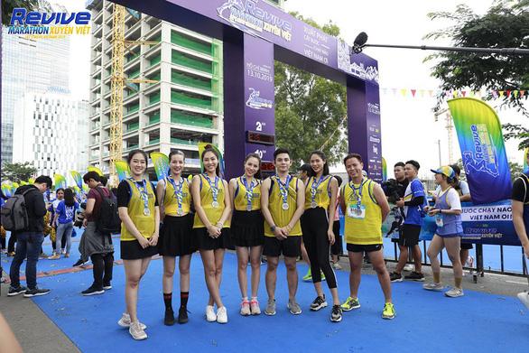 Truyền cảm hứng từ việc chạy tại Revive Marathon xuyên Việt - Ảnh 1.