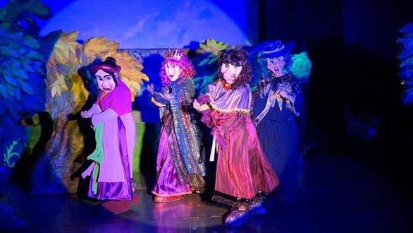 Diễn kịch rối Gala Phù thủy phục vụ  khán giả nhí - Ảnh 1.