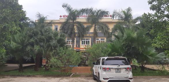 Chuyển hồ sơ cho cơ quan điều tra vụ giám đốc bệnh viện bị tố nhận tiền chạy việc - Ảnh 1.