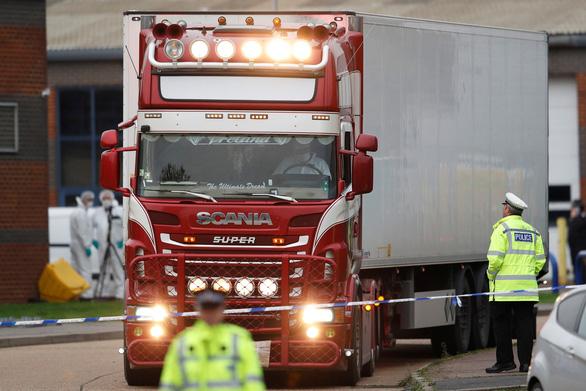 Vụ 39 thi thể ở Anh: Bắt chủ xe đầu kéo - Ảnh 1.