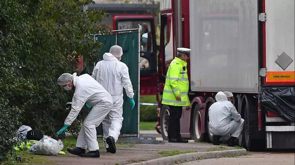 Câu hỏi nhức nhối từ vụ 39 người chết trong container ở Anh - Ảnh 1.