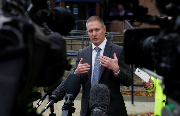 Sky News: 39 nạn nhân chỉ là một phần của đoàn vượt biên 100 người - Ảnh 1.