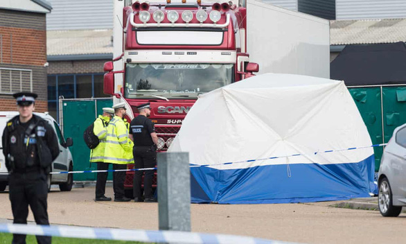 Kêu gọi cấp visa cho gia đình 39 người chết tại Anh - Ảnh 1.