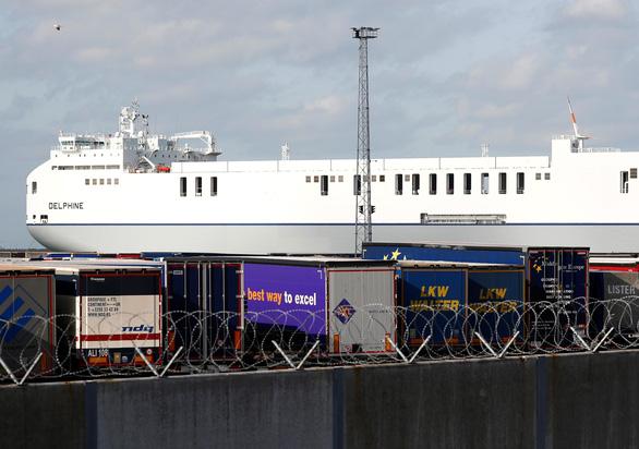 Vụ 39 người chết ở Anh: Nạn nhân vô container lúc nào? - Ảnh 1.