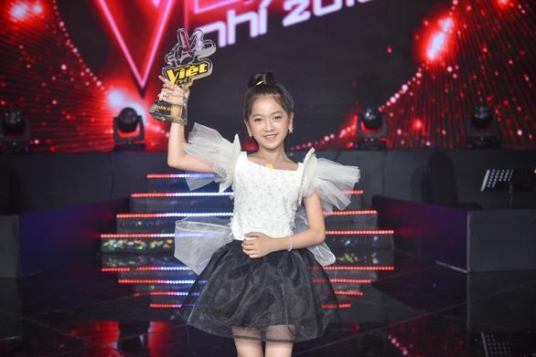 Nguyên Khang xin lỗi do đọc nhầm tên quán quân The Voice Kids 2019 - Ảnh 4.