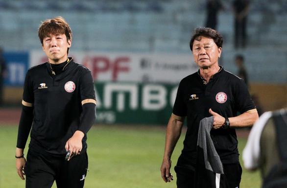 HLV CLB TP.HCM không đổ lỗi cho trọng tài về bàn thua đầu tiên trước Hà Nội FC - Ảnh 1.