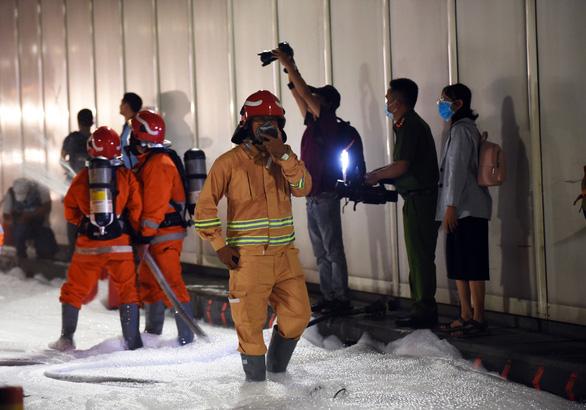 Diễn tập phòng cháy chữa cháy tại đường hầm sông Sài Gòn - Ảnh 6.