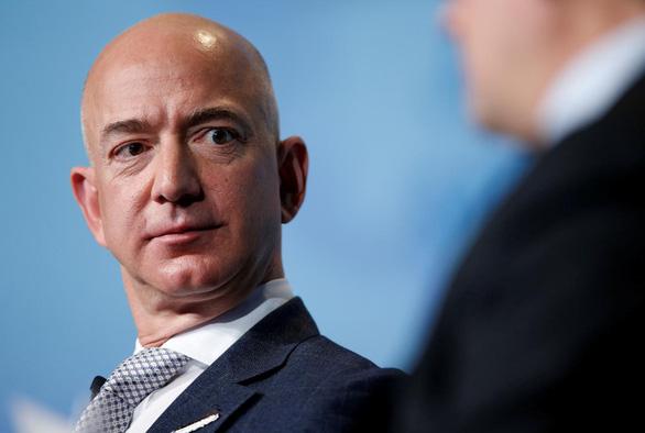 Amazon hụt gói thầu 10 tỉ USD vì bị ông Trump đì? - Ảnh 1.