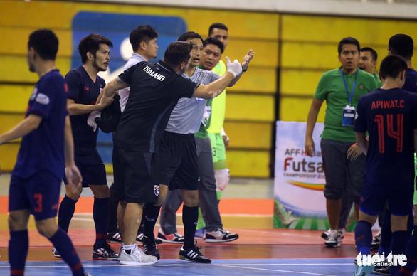 Thái Lan vô địch futsal Đông Nam Á 2019 sau trận chung kết suýt có đánh nhau - Ảnh 4.