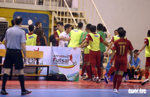 Thái Lan vô địch futsal Đông Nam Á 2019 sau trận chung kết suýt có đánh nhau - Ảnh 6.