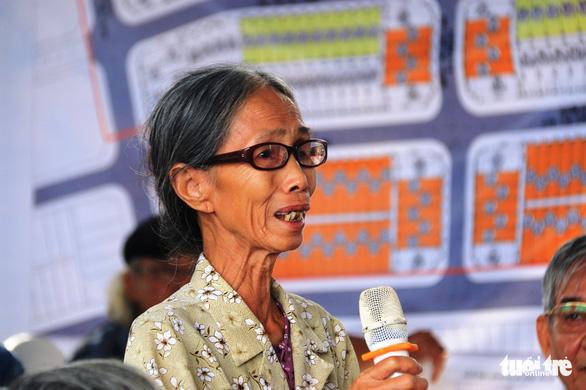 Chủ tịch Thừa Thiên Huế dẫn bà con Thượng thành đi xem nơi ở mới - Ảnh 2.