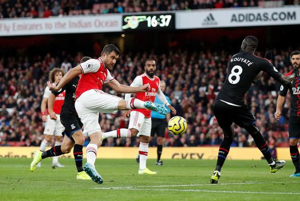 Dẫn trước 2-0, Arsenal vẫn không thắng được Crystal Palace - Ảnh 1.
