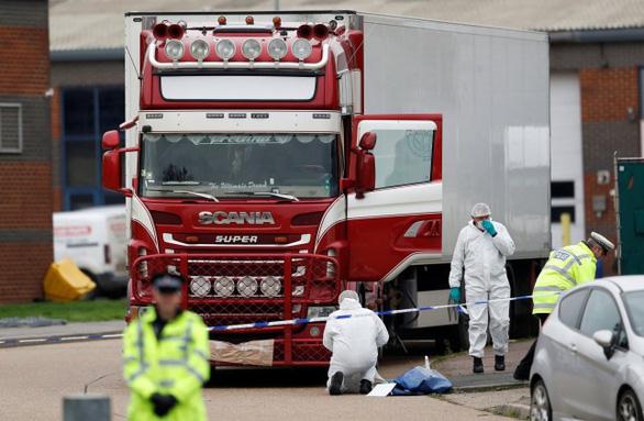 Trung Quốc thúc Anh mau chóng xác định danh tính 39 thi thể trong container - Ảnh 1.