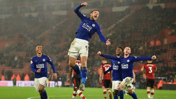 Leicester City hồi sinh từ cơn tang tóc - Ảnh 1.