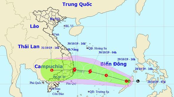 Áp thấp nhiệt đới gây sóng gió dữ dội trên Biển Đông, cảnh báo khẩn cấp - Ảnh 1.