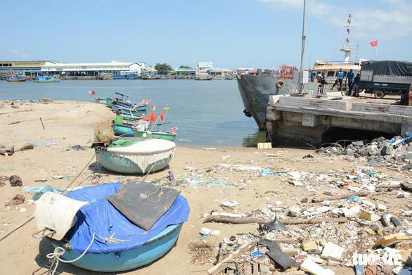 Phan Thiết: Tàu ra vào gặp khó vì cảng bồi lấp - Ảnh 4.