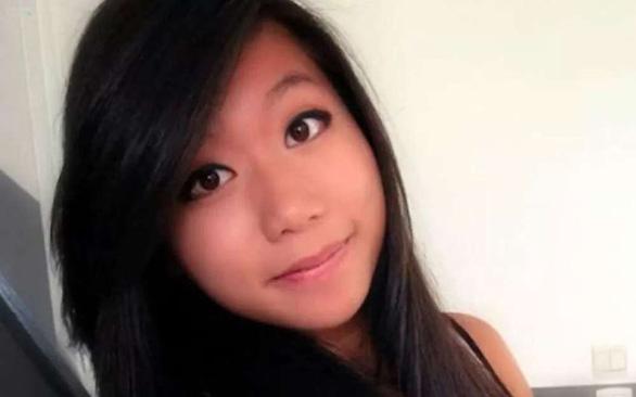 Người Pháp đến chùa cầu siêu cho cô gái gốc Việt bị sát hại - Ảnh 1.