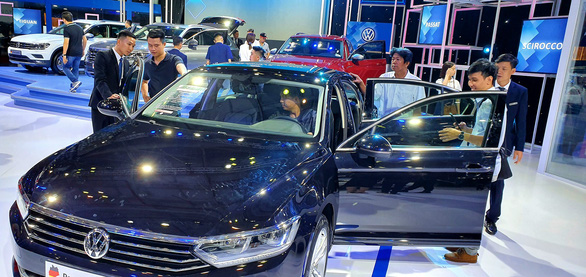 Volkswagen trưng bày xe có bản đồ đường lưỡi bò, trách nhiệm thuộc về ai? - Ảnh 1.