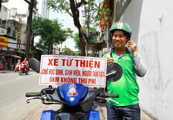 Thằng hâm chạy Grab miễn phí khắp Sài Gòn - Ảnh 3.