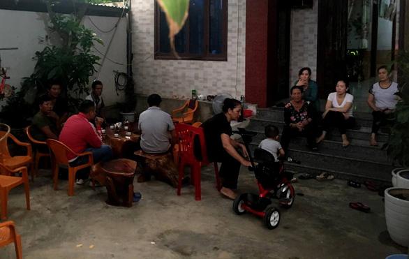 Một gia đình tại Quảng Bình trình báo có con bị mất liên lạc khi đi Anh - Ảnh 1.
