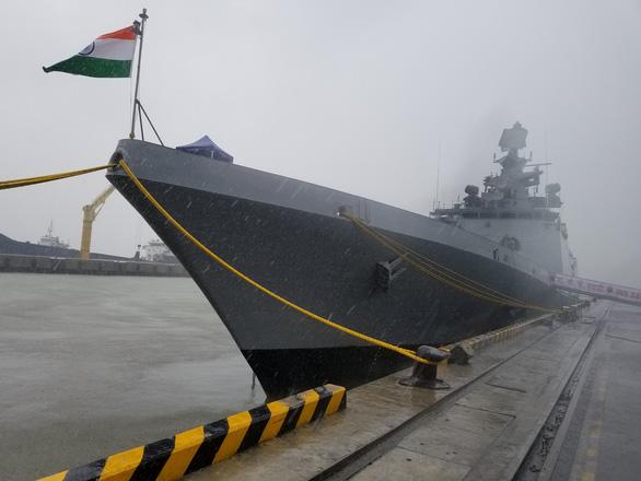 Tàu Hải quân Ấn Độ thăm Đà Nẵng - Ảnh 1.