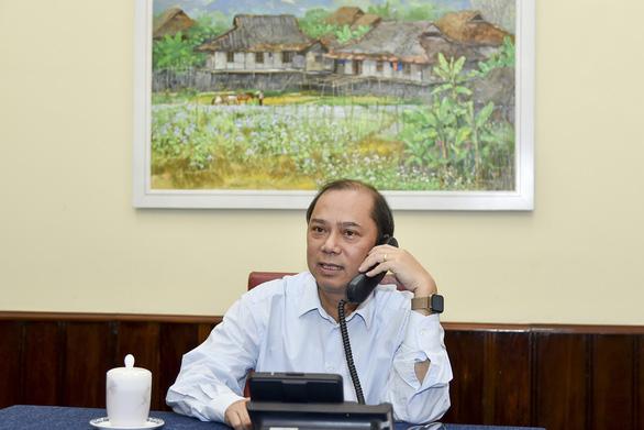 Việt Nam nhờ Anh hỗ trợ nếu có người Việt trong số 39 nạn nhân - Ảnh 1.