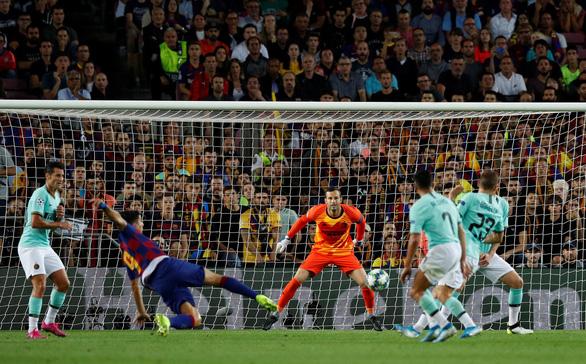 Suarez rực sáng, Barca thắng ngược Inter tại Nou Camp - Ảnh 2.