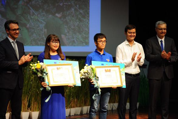 Ảnh cháy ở Nghệ An đoạt giải nhất cuộc thi ảnh ứng phó biến đổi khí hậu - Ảnh 1.