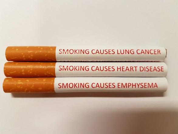 Anh, Úc in thông điệp cảnh báo trên mỗi điếu thuốc? - Ảnh 1.