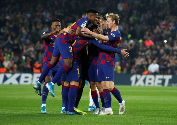 Messi trở lại đỉnh cao, Barca đè bẹp Valladolid - Ảnh 3.