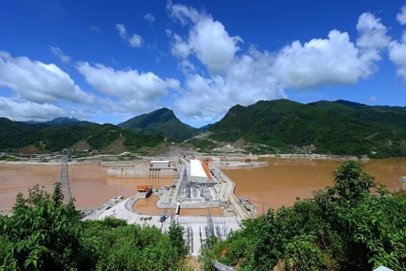 Thủy điện Xayaburi bắt đầu chạy, dân Thái lo tương lai không còn - Ảnh 1.