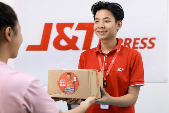 J&T Express tặng 1 tháng vận chuyển cho người bán mới trên Shopee - Ảnh 1.